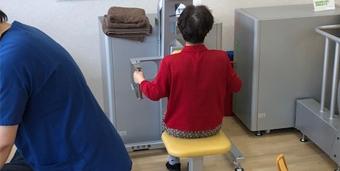 日本の高齢者の体格と身体機能にあったトレーニングマシン
